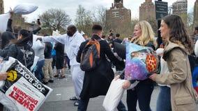 Das 2016 NYC-Kissenschlacht-Tagesteil 2 84 Lizenzfreie Stockfotografie