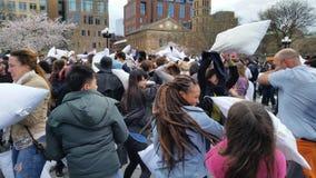 Das 2016 NYC-Kissenschlacht-Tagesteil 2 95 Stockfotos
