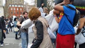 Das 2016 NYC-Kissenschlacht-Tagesteil 3 17 Stockbilder