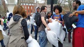 Das 2016 NYC-Kissenschlacht-Tagesteil 3 18 Lizenzfreie Stockfotos