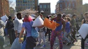 Das 2016 NYC-Kissenschlacht-Tagesteil 4 16 Lizenzfreies Stockbild
