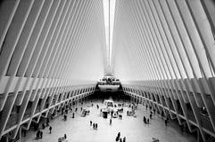 Das Oculus der Westfield-World Trade Center-Transport-Nabe in New York Stockfotos