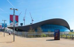 Das Olympiastadion und Bahn Lizenzfreie Stockfotografie