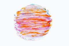 Das ondas abstratas brancas azuis vermelhas da pintura de óleo do fundo do rosa da textura terra amarela líquida torcida círculo  fotografia de stock royalty free