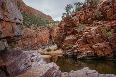 Das Ormiston-Schlucht waterhole, West-MacDonnell-Strecken-Nationalpark, Nordterritorium, Australien stockbild