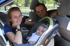 Das Paar reist mit dem Kind Stockbilder