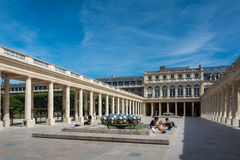 Das Palais Royal in Paris Stockbilder
