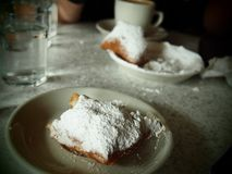 Das perfekte Beignet in New Orleans stockfoto