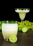 Das peruanische Cocktail, Pisco sauer lizenzfreie stockfotos