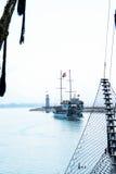 Das Piratenschiff am Strand von Kleopatra Lizenzfreie Stockbilder