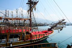 Das Piratenschiff am Strand von Kleopatra Lizenzfreie Stockfotografie