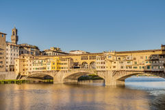 Das Ponte Vecchio (alte Brücke) in Florenz, Italien. Lizenzfreie Stockfotografie
