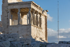 Das Portal der Karyatiden im Erechtheion ein altgriechischer Tempel auf der Nordseite der Akropolises von Athen, Griechenland Stockbilder