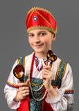 Das Porträt des Mädchens mit hölzernen Löffeln Stockbild