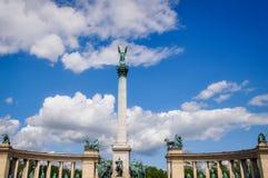 Das Quadrat der Helden in Budapest Ungarn stockbilder