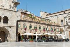Das Quadrat der Leute in Ascoli - IT Lizenzfreie Stockfotografie