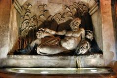Das Quattro Fontane und der Arno Schöne alte Fenster in Rom (Italien) Lizenzfreie Stockbilder