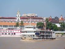 Das Rangun zur Dala-Fährüberfahrt Stockfoto