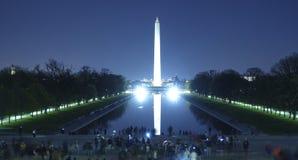Das reflektierende Pool in Washington bis zum Nacht - Ansicht von Lincoln Memorial lizenzfreie stockbilder
