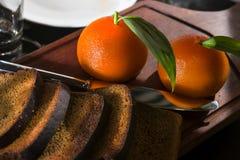 Das Restaurant dient - pashtet in Form einer Orange Lizenzfreie Stockbilder