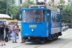 Das Retro- eine Tram von 1892 geht in Kiew, Ukraine. Lizenzfreie Stockbilder