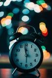 Das Retro- MitternachtsZiffernblatt des neuen Jahres lizenzfreies stockbild