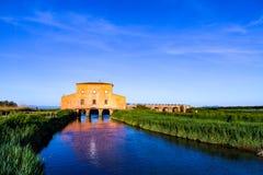 Das rote Haus Ximenes 1765 Casa Rossa in Toskana, Italien stockbild
