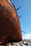 Das rote Rostdetail, alt sank Boot in Inisheer, Aran Islands Lizenzfreie Stockbilder
