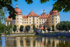 Das sächsische Schloss Moritzburg stockbild