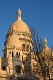 Das Sacre Coeur an der Dämmerung Stockbilder