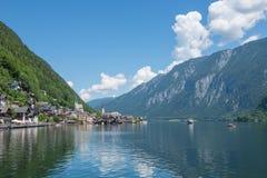 Das schöne österreichische Dorf von Hallstatt in der Gebirgs-Salzkammergut-Region Stockfotografie