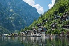 Das schöne österreichische Dorf von Hallstatt in der Gebirgs-Salzkammergut-Region Stockfoto