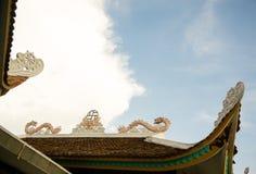 Das schöne Dach des Tempels in Vietnam stockbilder