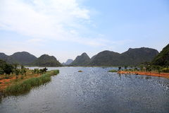 Das schöne lakeview in puzhehei Grafschaft, Yunnan, Porzellan Lizenzfreies Stockbild