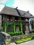 Das schöne Landschaftshaus southen herein Frankreich Stockfotografie