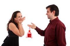 Das schöne Mädchen mit ihrem Freund Lizenzfreie Stockbilder