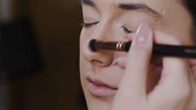 Das schöne Mädchenhandeln bildet stock video footage