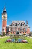 Das schöne Rathaus von Calais stockfoto