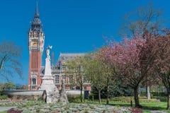 Das schöne Rathaus von Calais lizenzfreies stockfoto