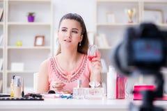 Das Schönheitsmode Blogger-Aufnahmevideo für Blog Stockbilder