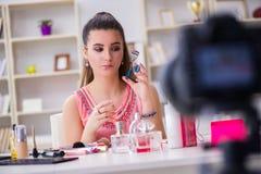 Das Schönheitsmode Blogger-Aufnahmevideo für Blog Stockfotografie