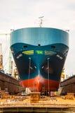 Das Schiff am Dock Stockbild