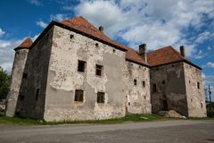 Das Schloss des Heiligen Miklos wird an der Wende der 14. und 15. Jahrhunderte, Transcarpathian Region errichtet stockbild