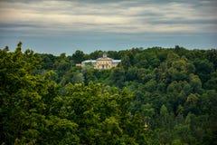Das Schloss im Wald Lizenzfreie Stockbilder