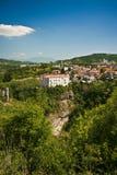 Das Schloss und die Höhle von Pazin Stockfotografie