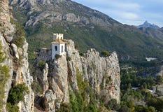 Das Schloss von Guadelest in Spanien lizenzfreie stockfotos
