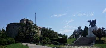 Das Schloss von San Giusto und Denkmal in Triest lizenzfreies stockbild
