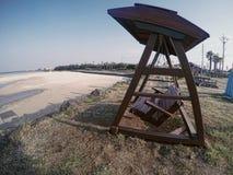 Das Schwingen auf dem Strand Lizenzfreie Stockfotografie
