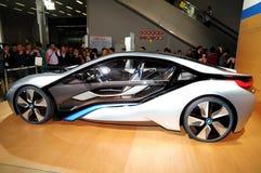 Das Seitengesicht des Konzeptautos BMWs i8 Lizenzfreie Stockfotografie