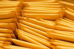 Das Senden Umschlag-Schließen oben Stockfotografie